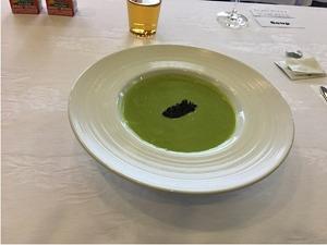 ビジネスクラス機内食 前菜「グリンピースのスープ」