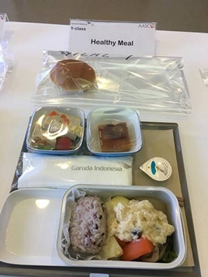 ガルーダインドネシア航空 エコノミークラス機内食(ヘルシーミール)