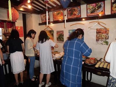 本格ベトナム料理のブッフェタイム