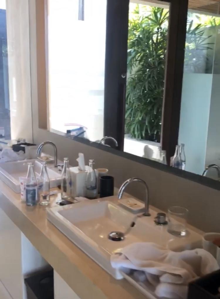 ザ・バレ デラックスパビリオン洗面所