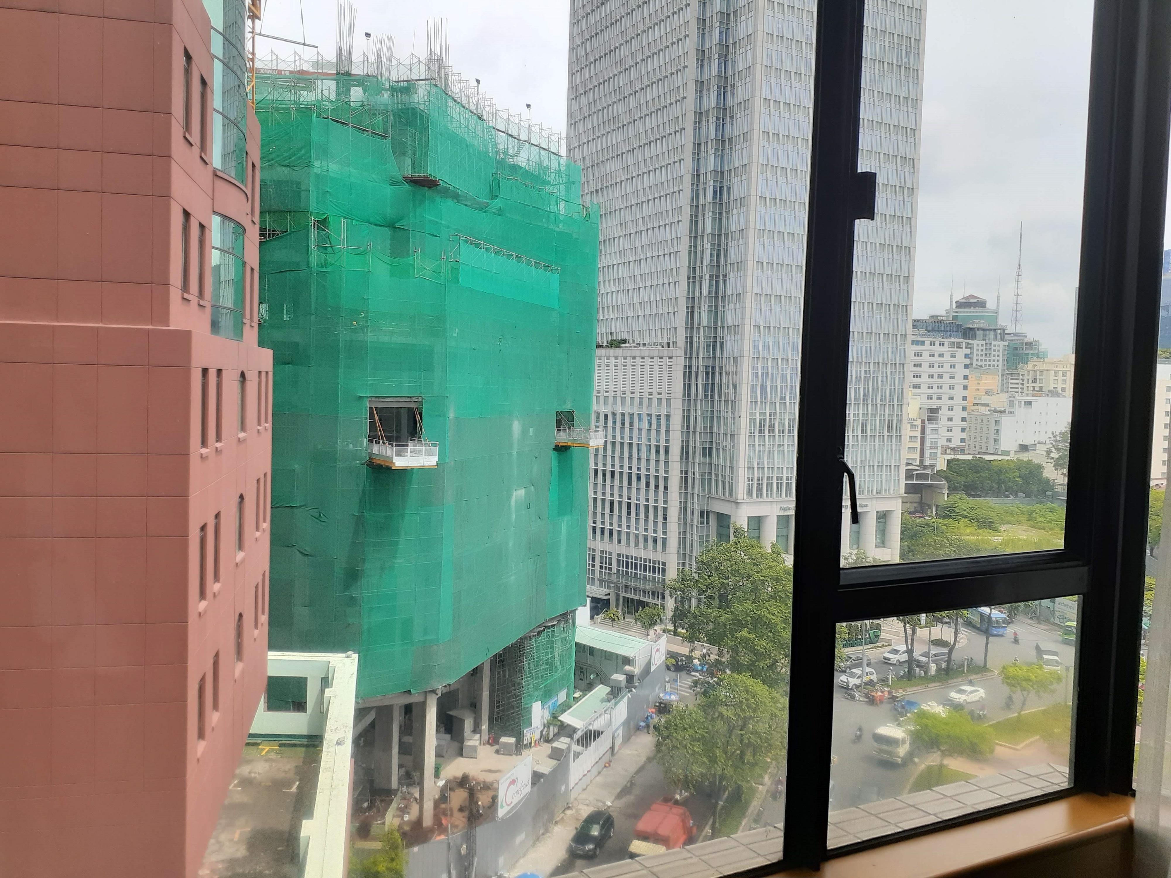 近所で工事しているシティービュールームからの眺め